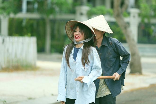 Hoai Linh lien tuc bien hoa trong phim hai Tet hinh anh 2