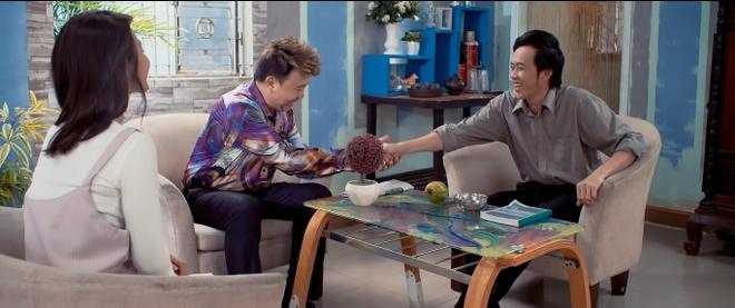 Hoai Linh lien tuc bien hoa trong phim hai Tet hinh anh 1