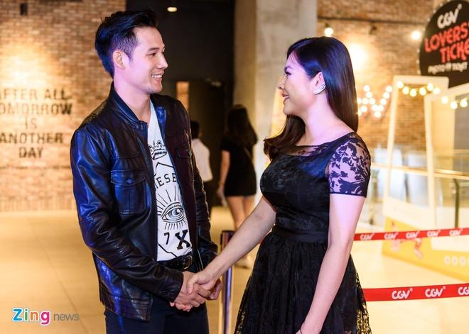 Kieu Minh Tuan va Cat Phuong tinh cam di xem phim 'Oan' hinh anh 6