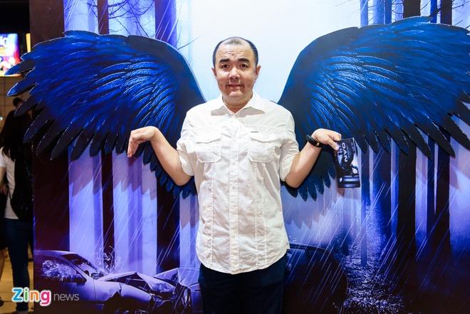 Kieu Minh Tuan va Cat Phuong tinh cam di xem phim 'Oan' hinh anh 10