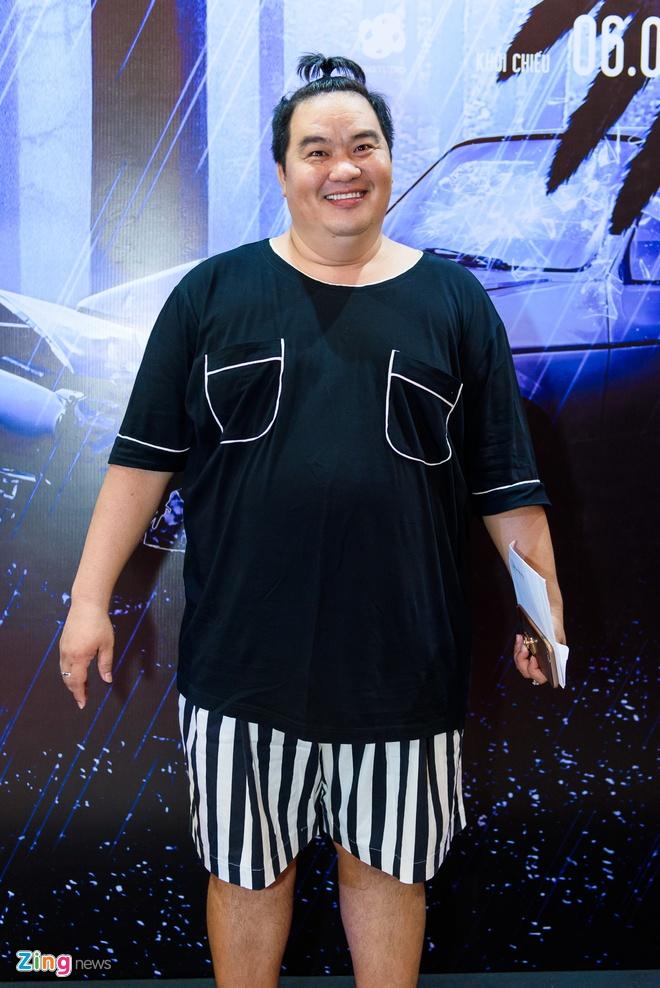 Kieu Minh Tuan va Cat Phuong tinh cam di xem phim 'Oan' hinh anh 12