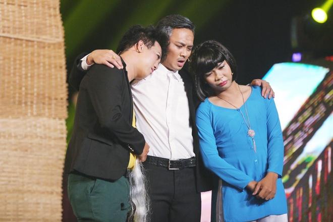 Con gai NSUT Kim Tu Long ke cuoc tinh buon tren san khau hinh anh 5