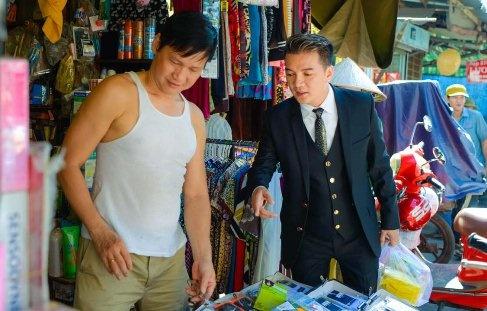 Dam Vinh Hung di cho mua do sau khi quay MV hinh anh