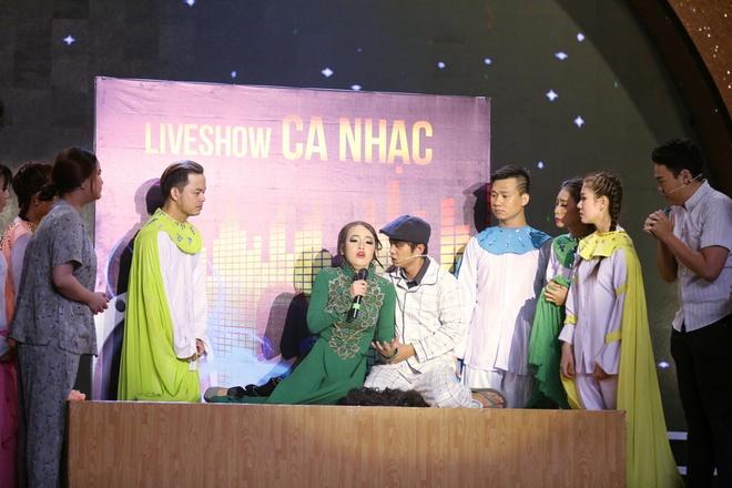 Hoai Linh: 'Khi bi benh, toi tu trang diem va khoc mot minh' hinh anh 1