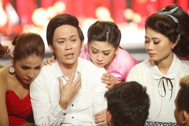 Hoai Linh: 'Khi bi benh, toi tu trang diem va khoc mot minh' hinh anh 2