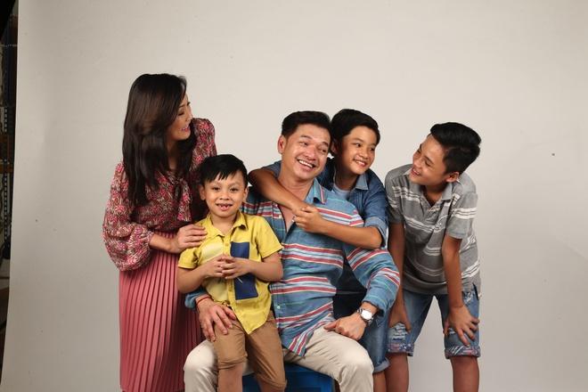 Ba con trai dang yeu cua Quang Minh, Hong Dao trong phim hinh anh 1