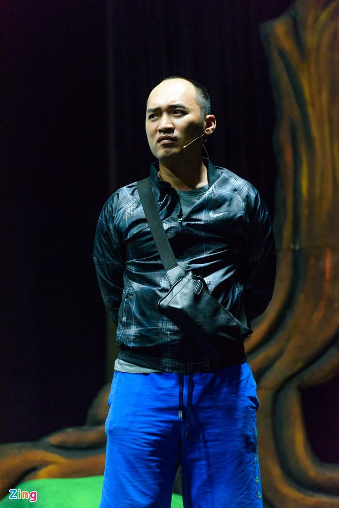 Tran Thanh dua Hari Won di tap kich anh 10