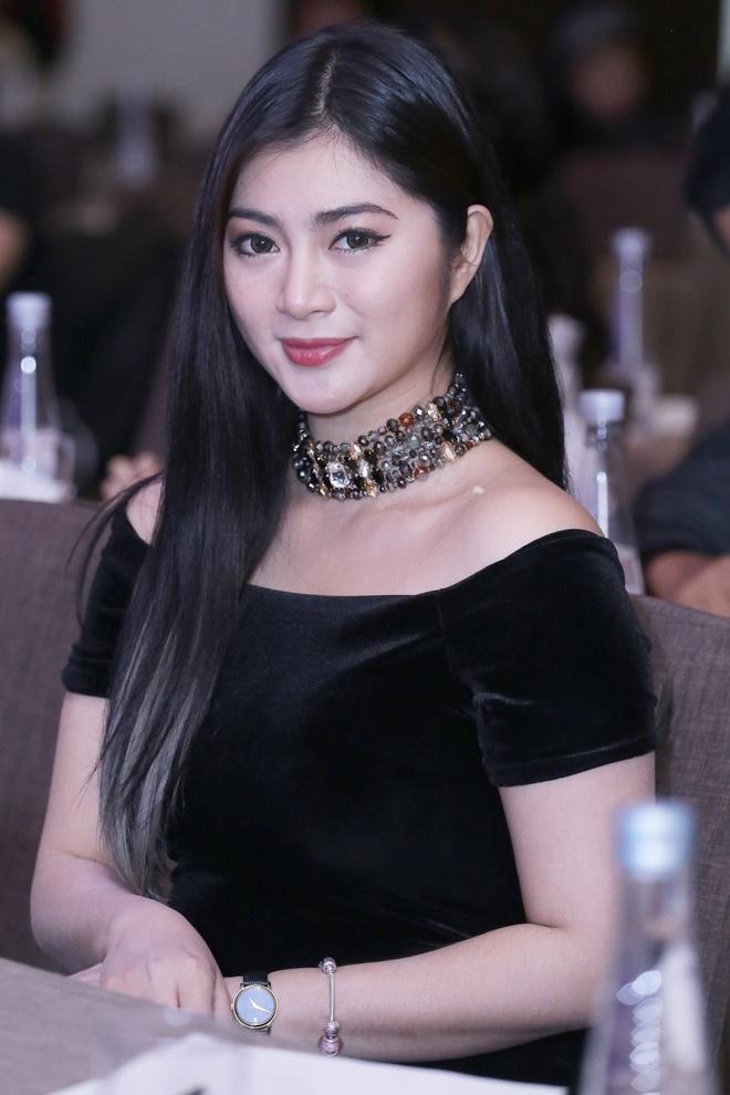 Thanh Truc lo voc dang tron tria o su kien hinh anh 2