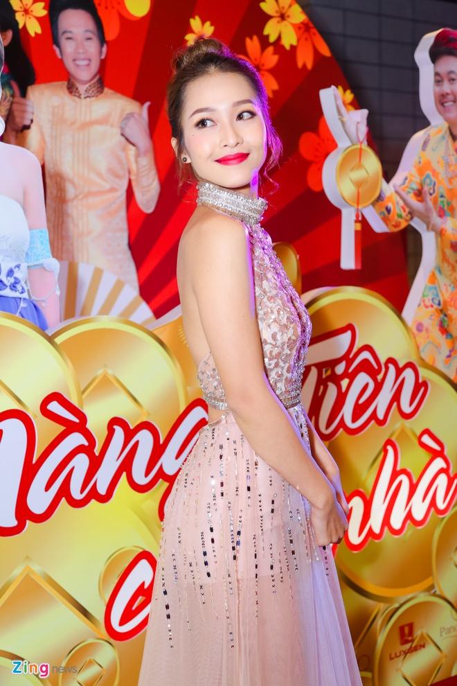 Hot girl Kha Ngan tinh tu ben Minh Luan o su kien hinh anh 2