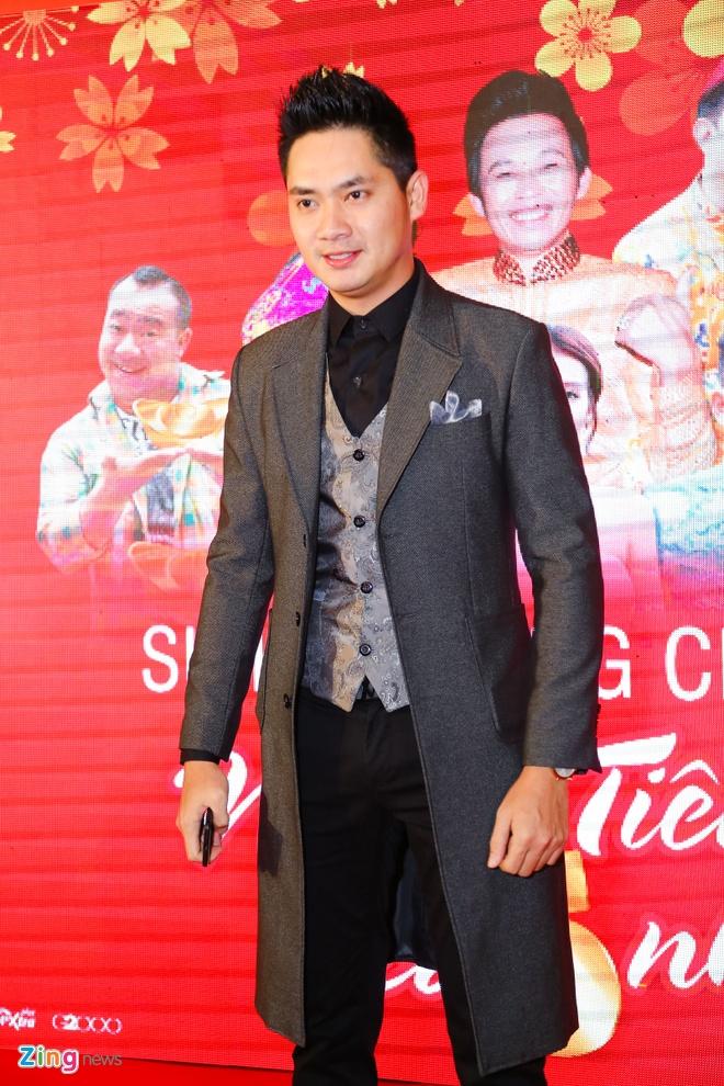 Hot girl Kha Ngan tinh tu ben Minh Luan o su kien hinh anh 3