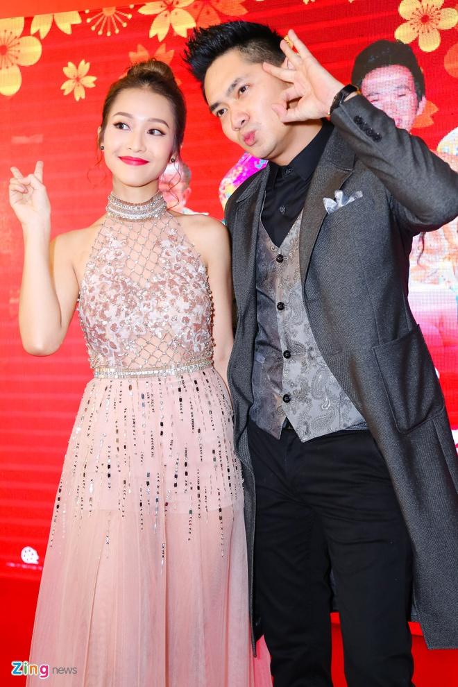 Hot girl Kha Ngan tinh tu ben Minh Luan o su kien hinh anh 5
