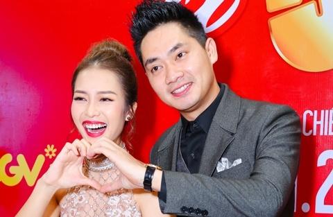 Hot girl Kha Ngan tinh tu ben Minh Luan o su kien hinh anh