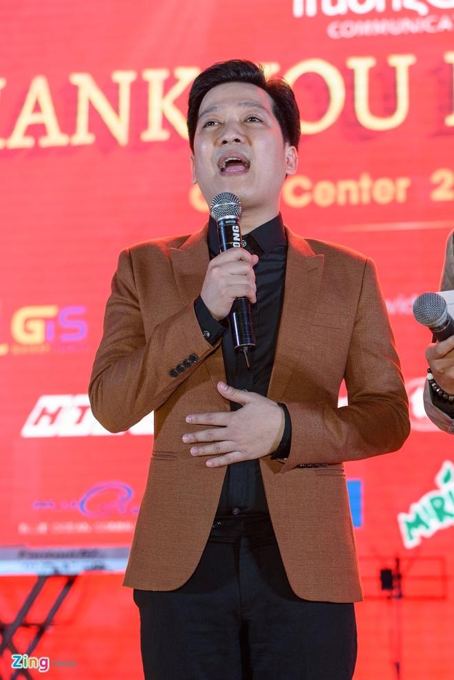 Chi Tai dua vo di tiec Truong Giang anh 11