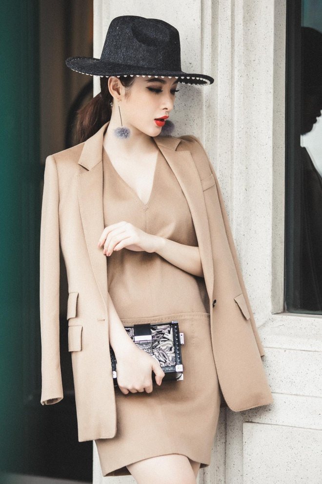 Angela Phuong Trinh sanh dieu xuong pho hinh anh 5
