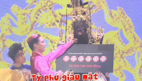 Hoai Linh deo mat na nhan 92 ty dong trong kich Tao Quan hinh anh