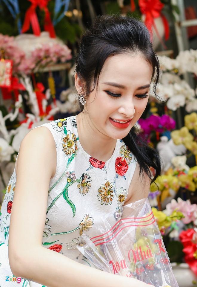 Angela Phuong Trinh don Tet o can ho moi mua hinh anh 10