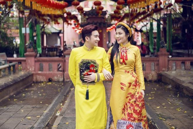 Quang Ha, Uyen Trang di le chua dau nam hinh anh 2