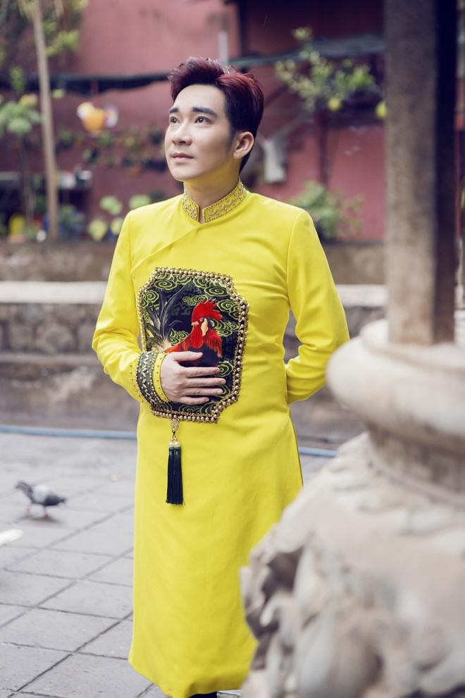 Quang Ha, Uyen Trang di le chua dau nam hinh anh 3