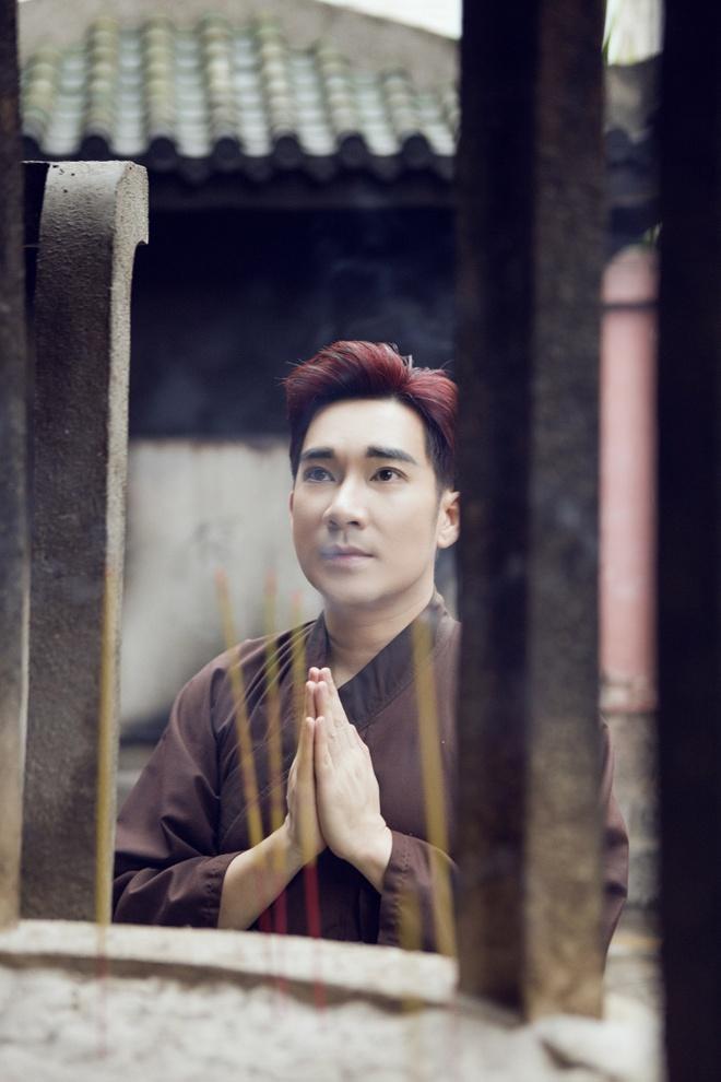 Quang Ha, Uyen Trang di le chua dau nam hinh anh 7