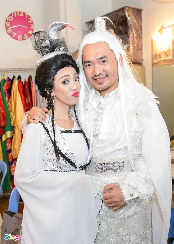 Tran Thanh,  Truong Giang chay show kich Tet anh 6