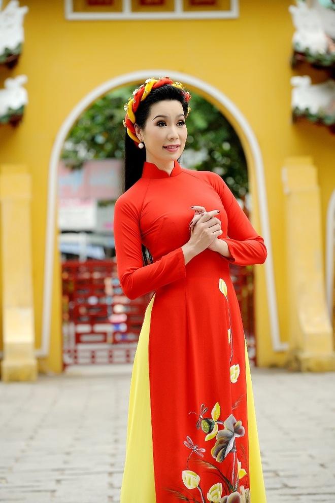 Trinh Kim Chi dua con gai di du xuan anh 4