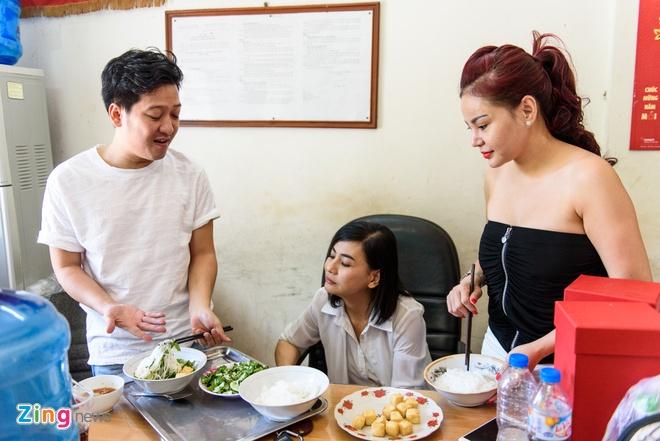 Hoai Linh di tap kich cung Truong Giang anh 3