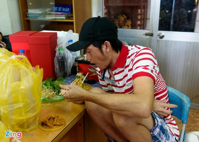Hoai Linh di tap kich cung Truong Giang anh 2