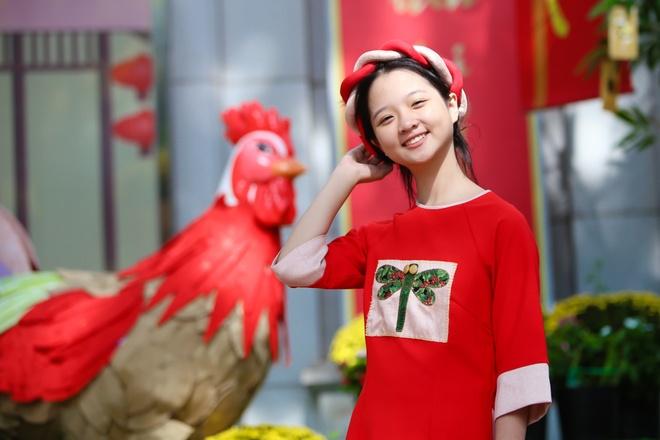 Sao nhi Lam Thanh My dien ao dai xuong pho hinh anh 7