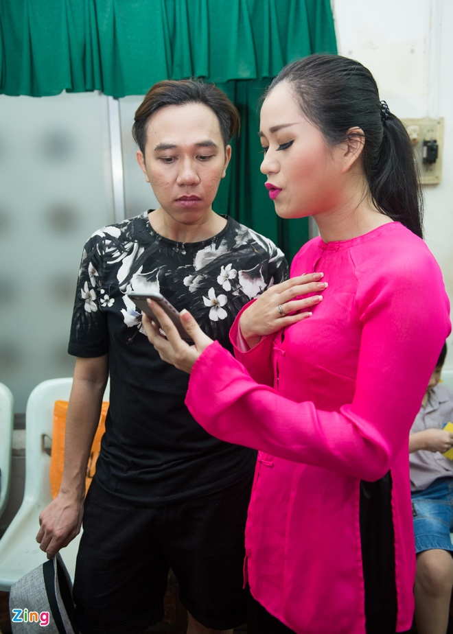 Tran Thanh duoc fan to chuc sinh nhat anh 9