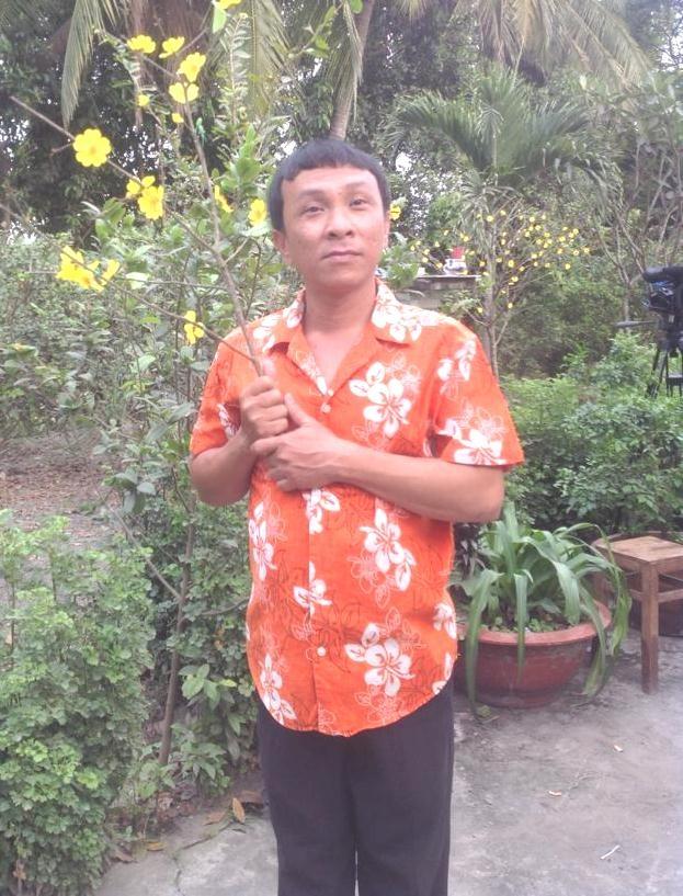 Dung Nhi duoc Hoai Linh am tham giup do anh 1
