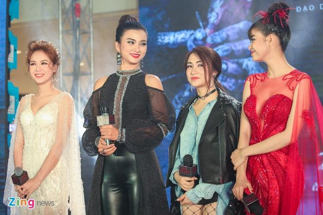 Dan sao Viet long lay tai buoi ra mat phim 'Linh duyen' hinh anh 11
