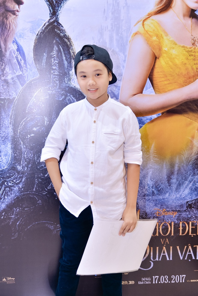 Dan sao Viet hao huc di xem phim 'Nguoi dep va quai vat' hinh anh 6
