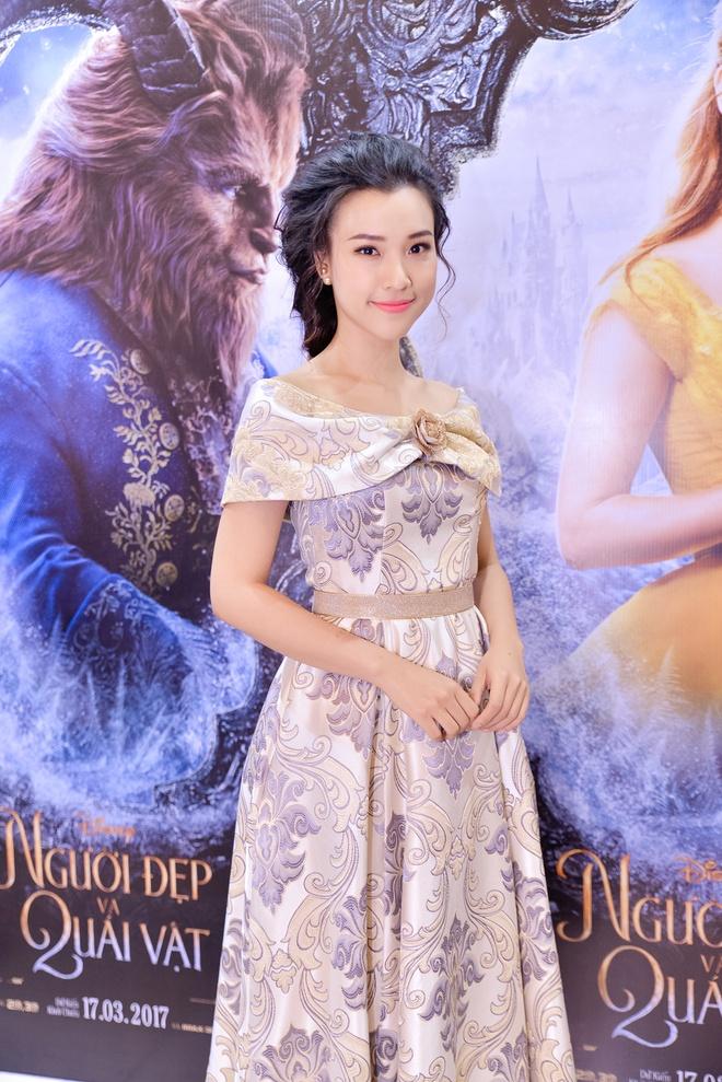 Dan sao Viet hao huc di xem phim 'Nguoi dep va quai vat' hinh anh 5