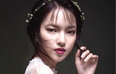 Hot girl Chau Bui: 'Toi thich lam dep va dam me kiem tien' hinh anh