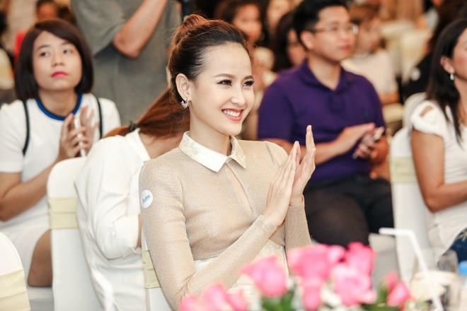 Guong mat Duong Yen Ngoc la lam trong su kien hinh anh 4