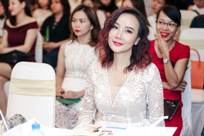 Guong mat Duong Yen Ngoc la lam trong su kien hinh anh 1