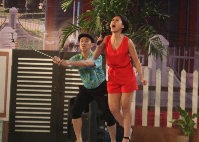 Chi Tai ghen voi 'Kieu nu lang hai' Nam Thu trong game show hai hinh anh 1