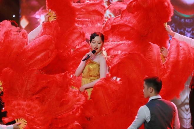 Kieu Oanh va Thanh Ha nhan xet doi nghich tren ghe nong hinh anh 6
