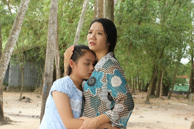 Phim ngan Khong ai biet khai thac van de tre em anh 1