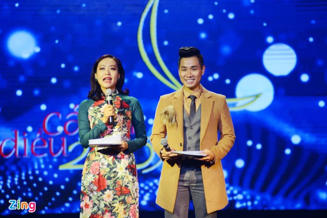Hong Anh, Nguyen Khang bi nhan xet la MC tham hoa o Canh dieu 2017 hinh anh 1
