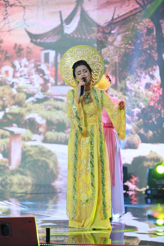 Con gai Che Linh hat sai, dung chan tai Troi sinh mot cap hinh anh 3