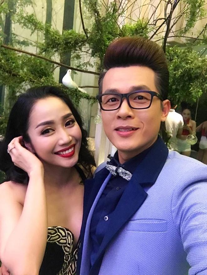 Dam Vinh Hung va dan sao Viet dien trong dam cuoi o Da Nang hinh anh 4