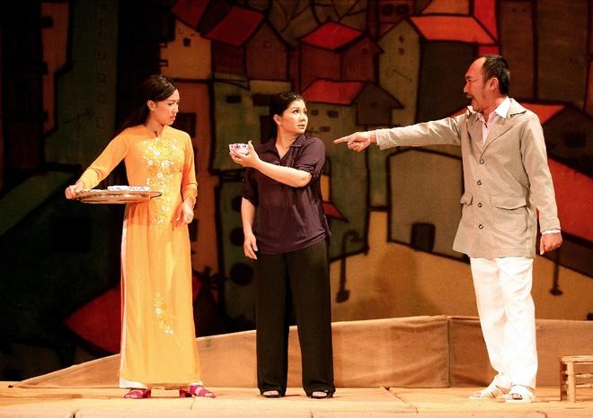 Thu Trang lay nuoc mat khan gia trong kich 'Tinh la dieu bong' hinh anh 2