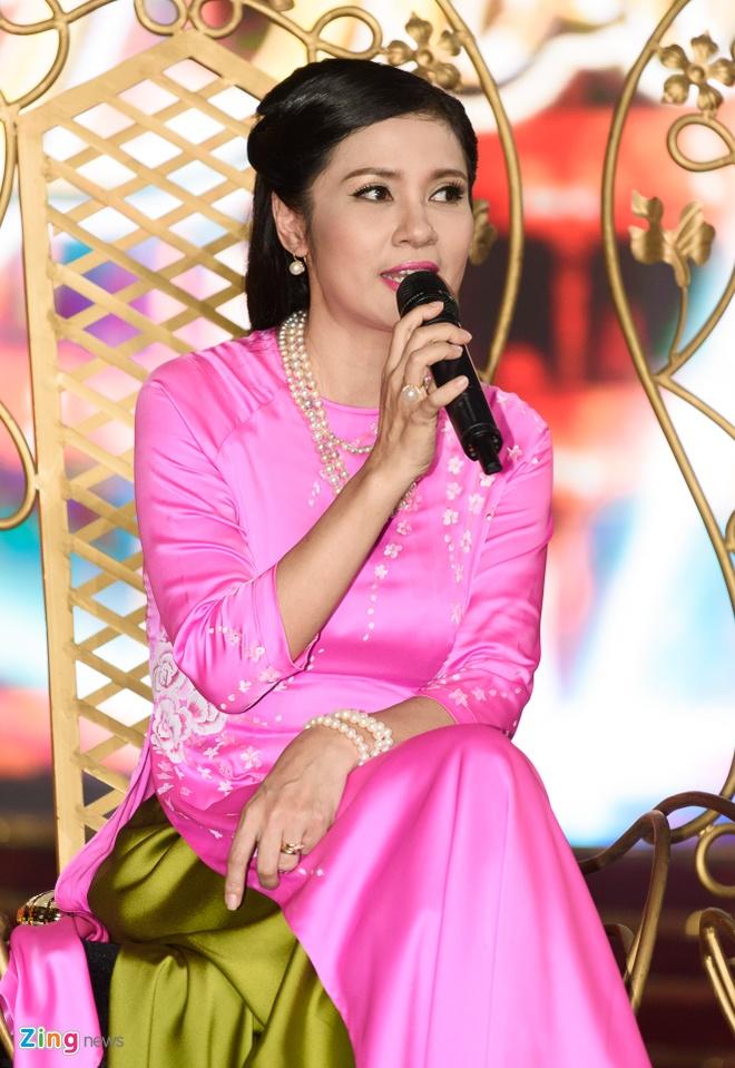 Viet Trinh, NSND Hong Van lam giam khao chuong trinh Kich cung Bolero hinh anh 1