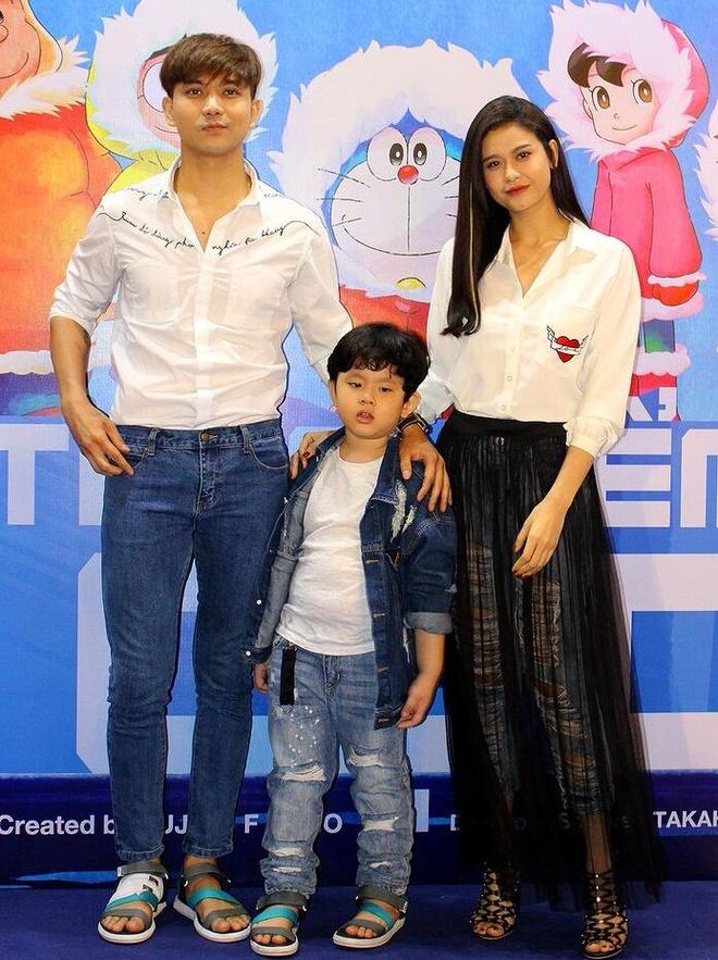 Truong Quynh Anh, Tim dua con trai di xem phim sau khi ly hon hinh anh 1