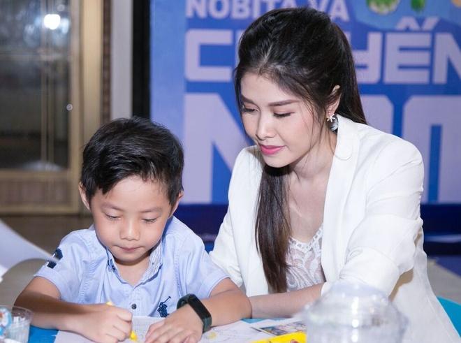 Truong Quynh Anh, Tim dua con trai di xem phim sau khi ly hon hinh anh 4
