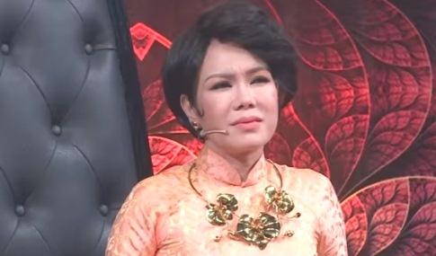 Viet Huong xuc dong voi thi sinh ban het nha cua de chua ung thu hinh anh
