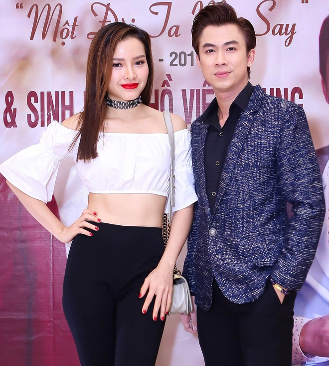 Ho Viet Trung cong khai ban gai hot girl trong hop bao hinh anh 4