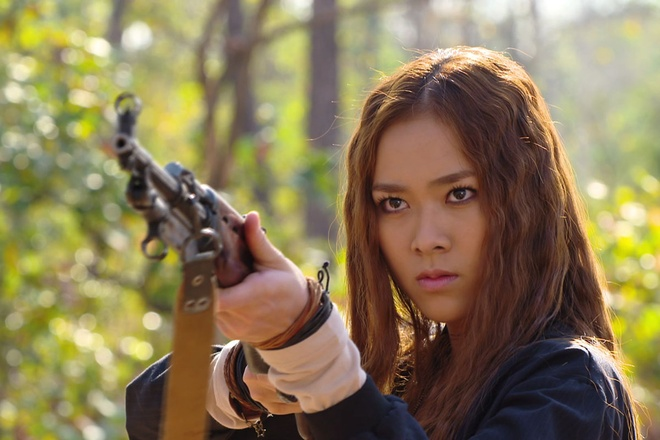 Diep Bao Ngoc chia se ve nu hon that voi Hoang Anh trong phim hinh anh 1
