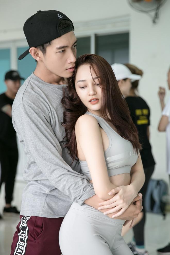 Bao Anh goi cam khi tap nhay ben Quang Dang hinh anh 2